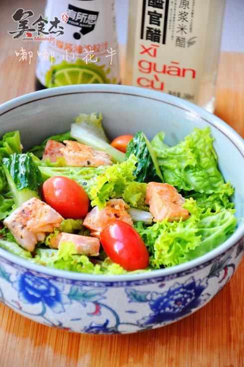 熟三文鱼蔬菜沙拉的做法【步骤图】_菜谱_美食杰