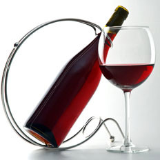 吃肉時喝杯紅酒助減少膽固醇
