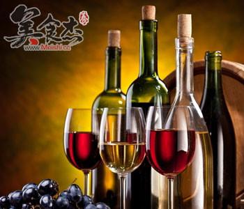 吃肉时喝杯红酒助减少胆固醇nF.jpg