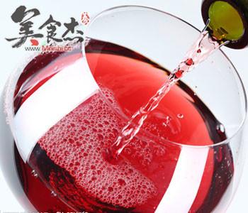 吃肉时喝杯红酒助减少胆固醇Pp.jpg