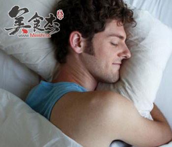 男人睡眠差肚子会变大jg.jpg
