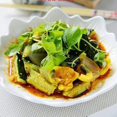 荆芥黄瓜拌变蛋