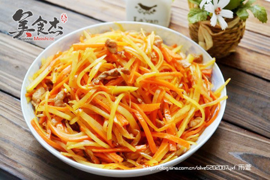 胡萝卜土豆肉丝jR.jpg