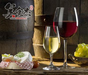 长期饮用葡萄酒的十大益处WB.jpg