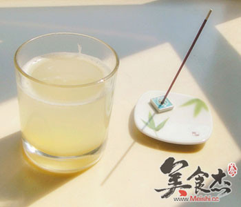 常喝梨汁的八大功效fw.jpg