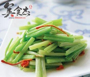 吃芹菜让身体更健康kI.jpg