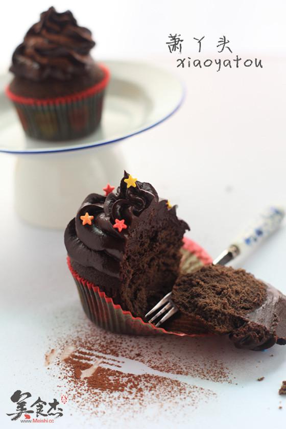 巧克力纸杯蛋糕Is.jpg