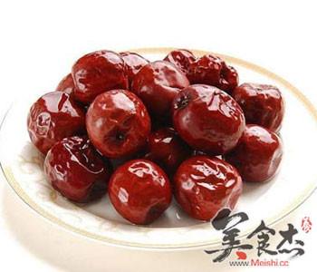 秋天红枣养生功效多_饮食小常识 - 美食杰