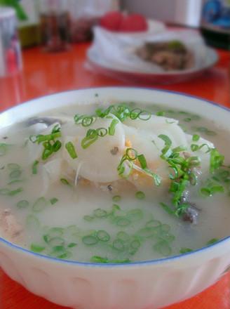白萝卜鲫鱼汤的做法