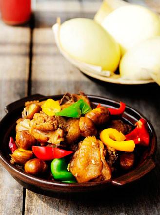 板栗炖鸡的做法