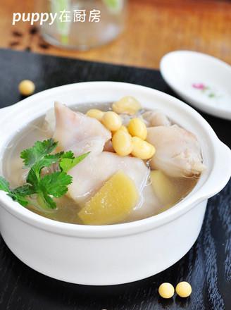 猪蹄黄豆汤的做法