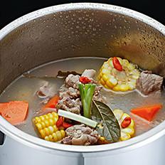 煲汤该用什么锅