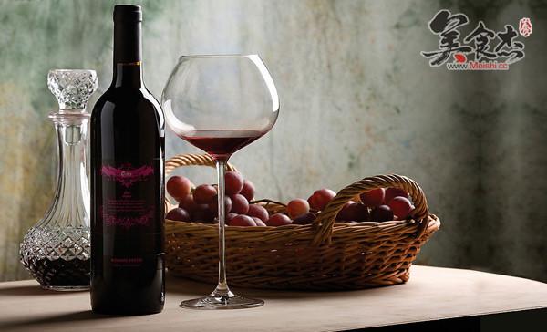 享受从品红酒开始fh.jpg