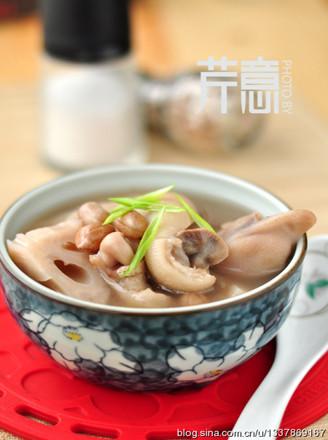 莲藕蹄花汤