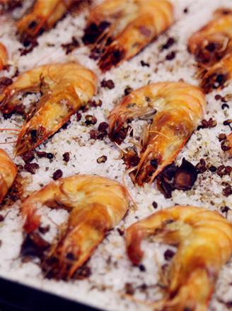 意式盐焗大虾的做法