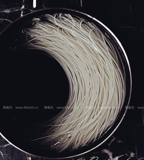 沙茶米粉汤DL.jpg