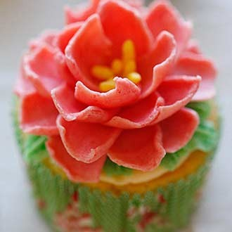 花朵纸杯小蛋糕