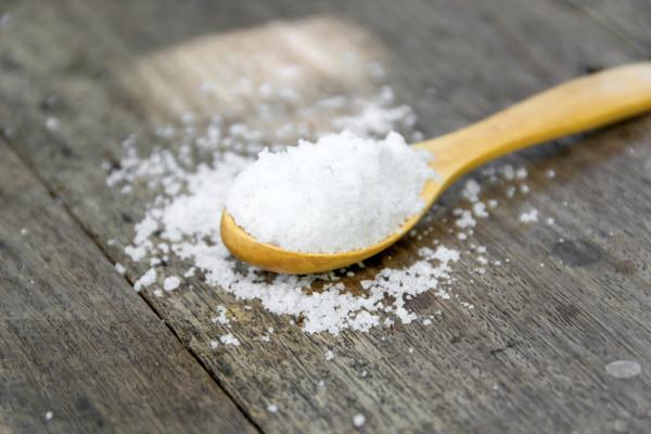 最近传言吃盐多会长雀斑 是真的吗