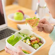 工作午餐避开4个饮食雷区