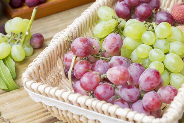 夏天吃葡萄的好处和清洗窍门Gq.jpg