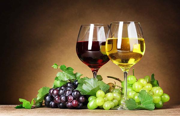 年末应酬多,喝酒前后饮食有讲究