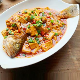 豆腐烧鲈鱼