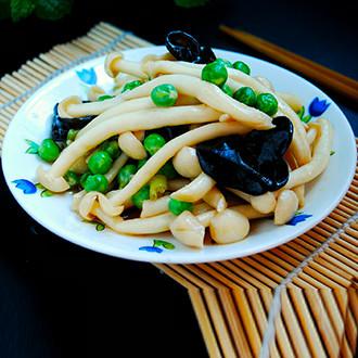 豌豆炒鲜蘑