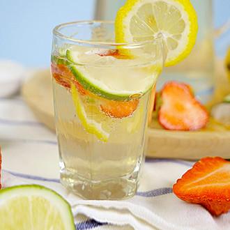 柠檬气泡水