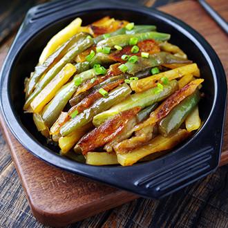 土豆焖茄子