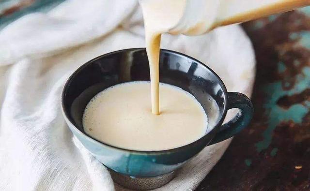 进口牛奶的营养,比国产更好吗?海豚订奶告诉你MI.jpg