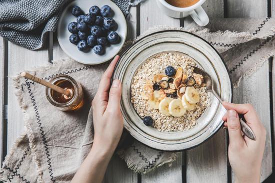 骨密度低吃什么好?5种食物+氨糖软骨素钙片!