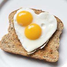 加拿大:吃鸡蛋黄危害等同吸烟?