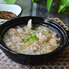 东北酸菜炖猪肉