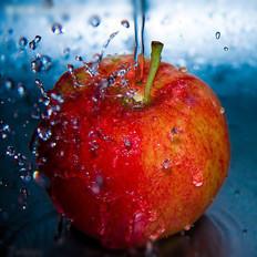 吃苹果减低血液中的胆固醇含量