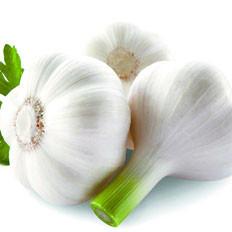 吃熏酱食品搭配大蒜可消除有害物质